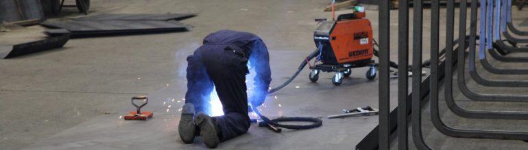 Neues BAuA-Faktenblatt: Gafrhstoffe wie Gase, Dämpfe oder Rauch verursachen Berufskrankheiten - so auch Schweißrauch.