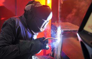 Für mehr Sicherheit beim Schweißen: das Arbeitsschutzgesetz.